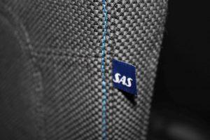 En lille detalje. SAS logo på hvert sæde. Foto: Flemming Poulsen