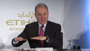 Etihad chef James Hogan på dagens pressekonference i Abu Dhabi