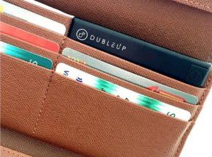 Passer i tegnebogen sammen med kreditkort