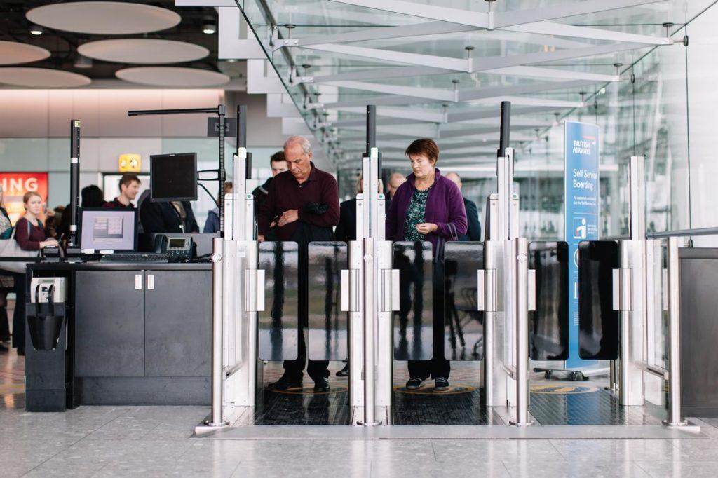 Self Service Boarding Gates hos British Airways Heathrow Terminal 5. Foto: Stuart Bailey/British Airways