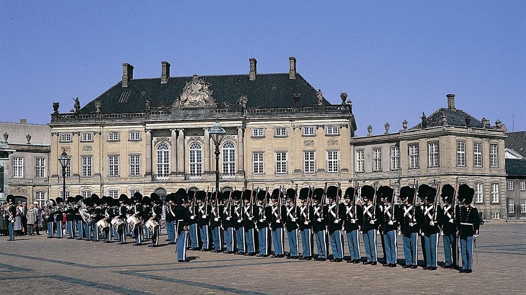 København royal-guards-amalienborg