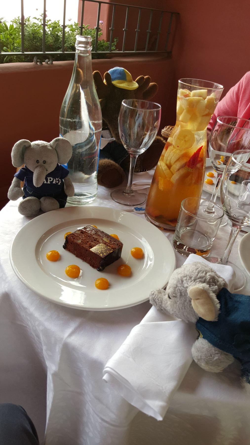 Bildet er fra en annen Ritz (Abama, Tenerife), men kaka er den samme.